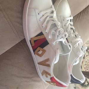 Gucci Loved athletic shoes